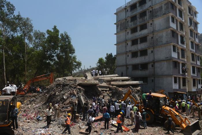 Более 70 человек погибли при обрушении здания в Индии. Фото: PUNIT PARANJPE/AFP/Getty Images