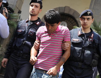 Задержание испанской полицией члена мафиозной группировки. Фото: ROBERTO SALOMONE/AFP/Getty Images