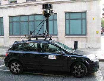 Передвижная камера Google Street View. Фото: Harold Cunningham/Getty Images