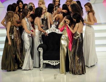Киев лидирует в рейтинге городов мира с самыми красивыми девушками . Фото: Attila Kisbenedek/AFP/Getty Images