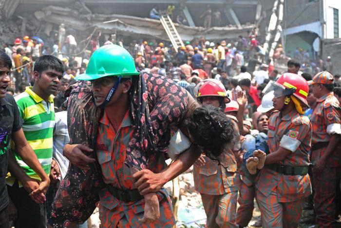 Число погибших под завалами восьмиэтажного здания в Бангладеш составило 260 человек. Фото: MUNIR UZ ZAMAN/AFP/Getty Images
