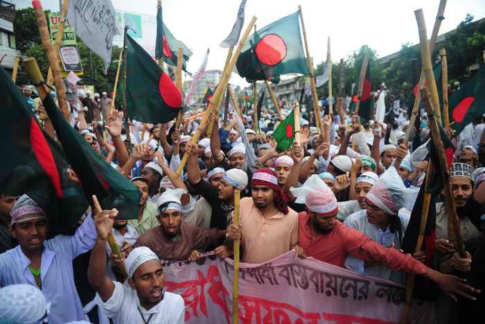 При разгоне демонстрации исламистов в Бангладеш погибли 22 человека. Фото: MUNIR UZ ZAMAN/AFP/Getty Images