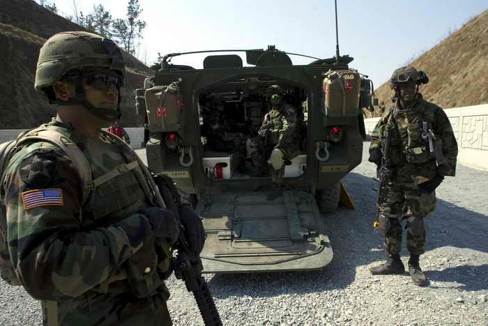 Военные силы США и Южной Кореи завершили начатые 1 марта совместные военные учения на Корейском полуострове. Фото: Chung Sung-Jun/Getty Images
