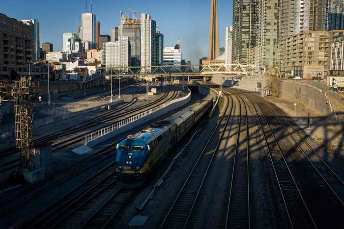 В понедельник в Канаде были арестованы два террориста, которые собирались взорвать поезд, следующий из Торонто в Нью-Йорк. Фото: Ian Willms/Getty Images