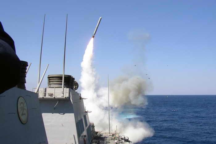 В США проведены успешные испытания по вертикальному пуску противокорабельных ракет LRASM. Фото: Christopher Senenk/U.S. Navy/Getty Images