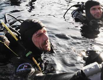 Судовой повар находился в трюме затонувшего 26 мая Гвинейском заливе судна, пока через 60 часов его не нашли спасатели. Фото: Laura Lezza/Getty Images