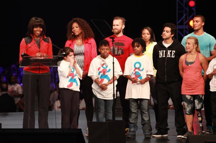 Мишель Обама провела компанию по продвижению физической активности в школах. Фото: Barry Brecheisen/Getty Images for Nike