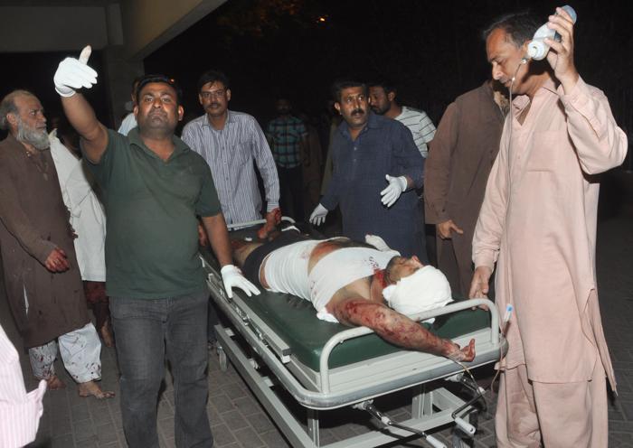 Теракт в Пакистане унёс жизни 45 человек. Фото: ASIF HASSAN/AFP/Getty Images