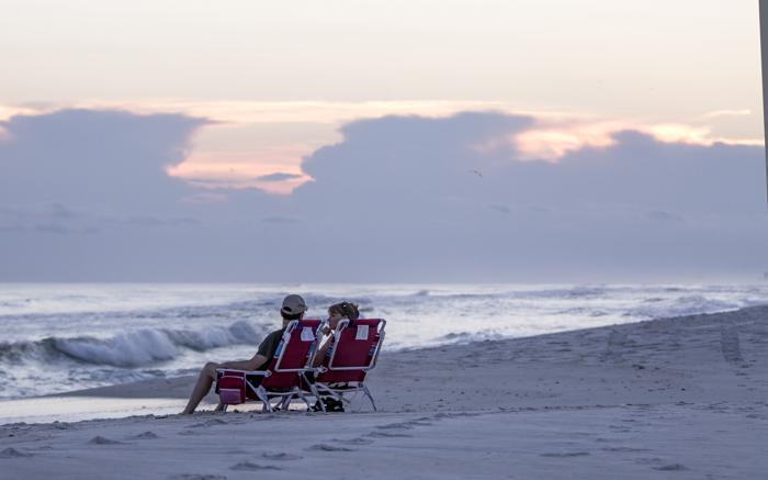 Первый тропический шторм сезона достиг побережья Флориды (США). Фото: Mark Wallheiser/Getty Images