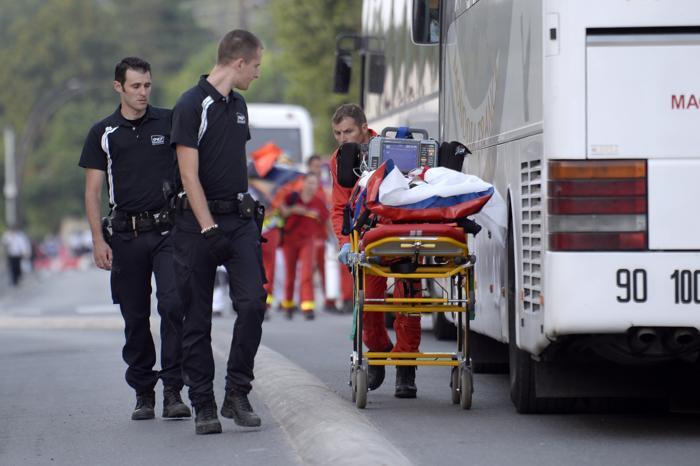 Крупнейшая железнодорожная катастрофа во Франции привела к гибели 6 человек 13 июля 2013 года. Фото: MARTIN BUREAU/AFP/Getty Images
