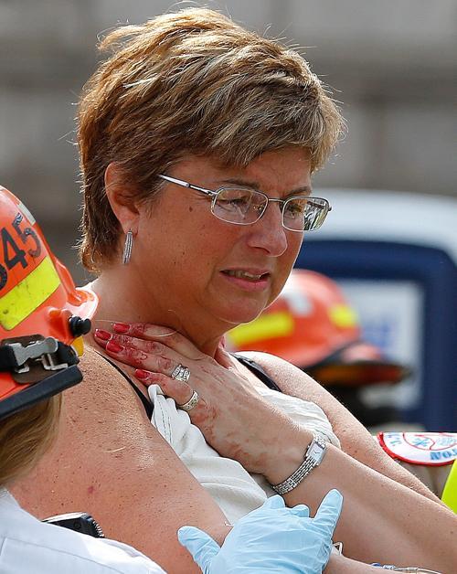 Теракт в Бостоне унёс жизни 3 человек, более 140 ранены. Фото: Jim Rogash / Getty Images