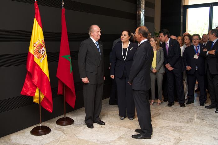 Король Испании Хуан Карлос прибыл в Марокко с четырёхдневным официальным визитом, чтобы поддержать экономику Испании, переживающую кризис, 16 июля 2013 года. Фото: Carlos Alvarez/Getty Images