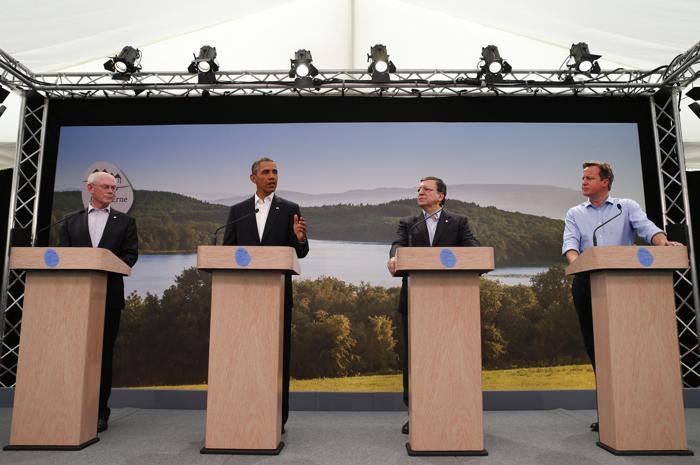 Когда собрались представители всех стран, провели ещё несколько рабочих заседаний. Фото: Andrew Winning - WPA Pool/Getty Images