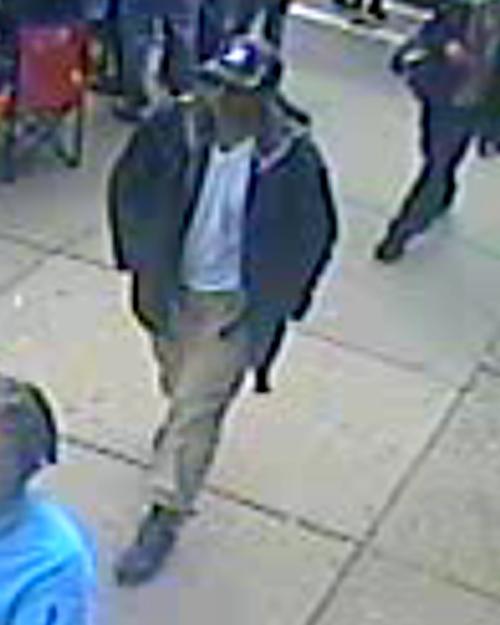 ФБР представила фотографии подозреваемых в теракте в Бостоне. Фото: FBI via Getty Images