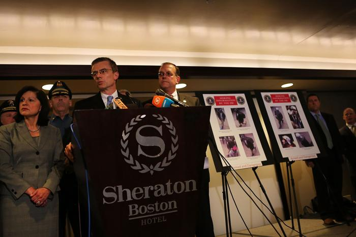 ФБР представила фотографии подозреваемых в теракте в Бостоне. Фото: Spencer Platt / Getty Images