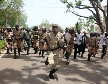 Военные во время беспорядков на Мали. Фото: HABIBOU KOUYATE/AFP/GettyImages
