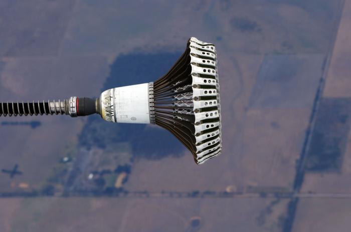 В Австралии провели дозаправку самолёта-истребителя в воздухе. Фото: Michael Dodge/Getty Images