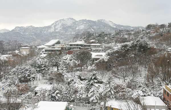 Снегопад в Южной Корее. Фото: Chung Sung-Jun/Getty Images