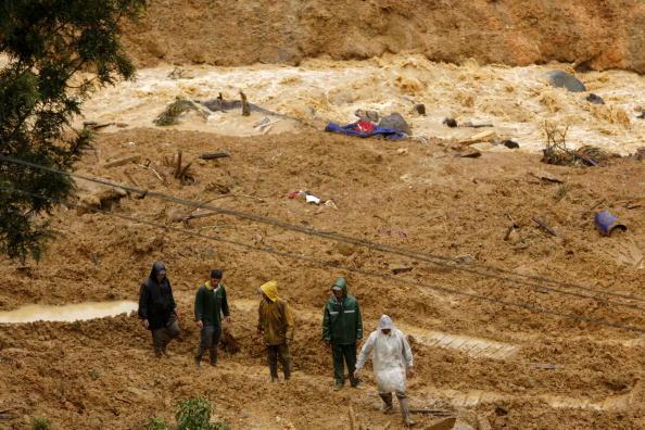 Оползень в Индонезии: погибли свыше 40 человек. Фото: Ulet Ifansasti/Getty Images