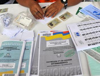 В Колумбии завершилось голосование на парламентских выборах. Фото: LUIS ROBAYO/AFP/Getty Images