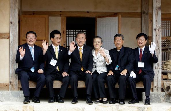 Фоторепортаж о Генеральном секретаре ООН, Пан Ги Муне, посетившем свой родную деревню. Фото: Chung Sung-Jun/Getty Images