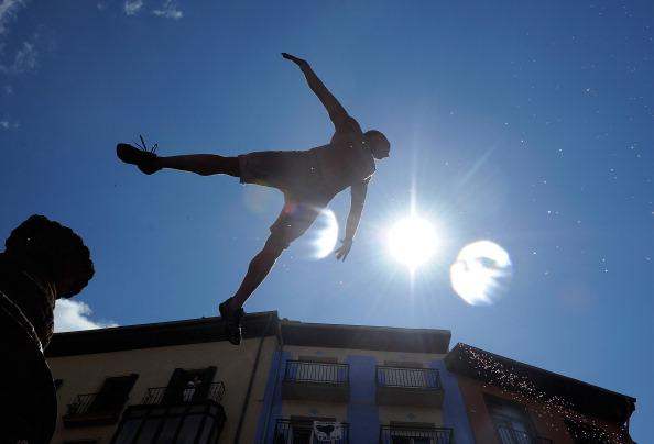 Фоторепортаж о начале фиесты Сан-Фермин в Памплоне. Фото:Denis Doyle/Getty Images
