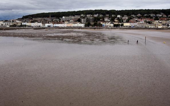 Фоторепортаж с пляжей Уэстон-Супер-Маре в Англии. Фото: Matt Cardy/Getty Images