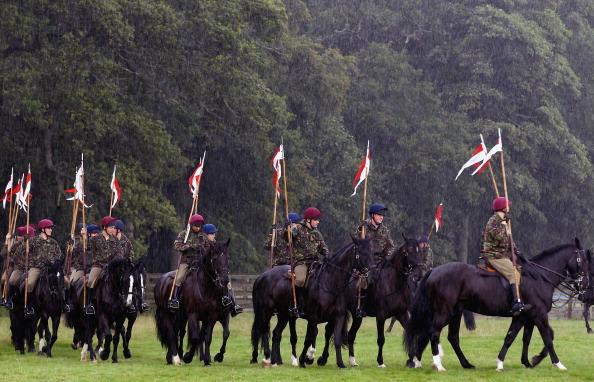 Фоторепортаж о подготовке кавалеристов к Massed Pipe Bands Day  в Шотландии. Фото: Jeff J Mitchell/Getty Images