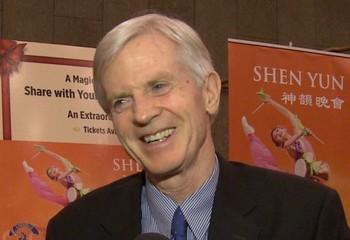 Дэвид Килгур, бывший госсекретарь Канады, после выступления Shen Yun Performing Arts в Национальном центре искусств в Оттаве, 20 декабря. Фото предоставлено NTD TV)