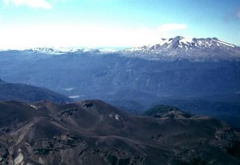 В Чили началось извержение вулкана Пуйеуе. Фото: geographic.org
