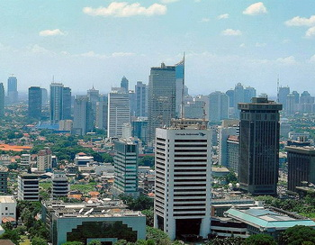 Джакарта — столица и крупнейший город Индонезии с населением более 9,6 миллионов человек. Фото: ru.wikipedia.org