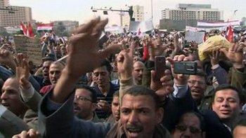 В Каире идут уличные бои. Фото с france24.com