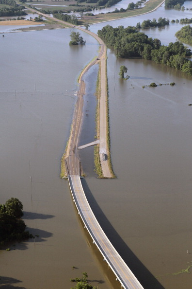 Наводнение в США создало крупные проблемы в сфере страхования. Фото:Scott Olson/Getty Images