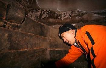 Китайский учёный в Ноевом ковчеге. Фото: lostab.ru