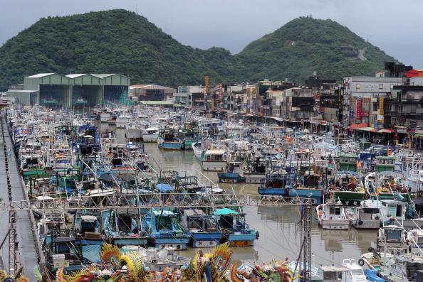 Мощный тайфун «Сонгда» движется на аварийную «Фукусиму».  Фото:  SAM YEH/AFP/Getty Images