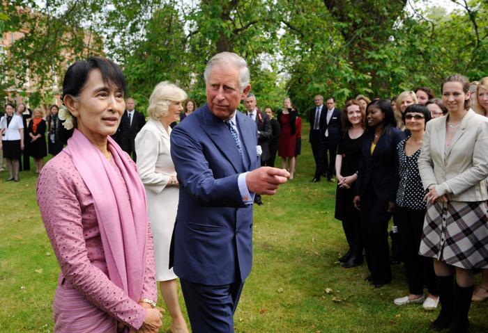 Аун Сан Су Чжи посещает Великобританию. Фоторепортаж. Фото:  Ben Stansall, Peter Nicholls - WPA Pool/Getty Images
