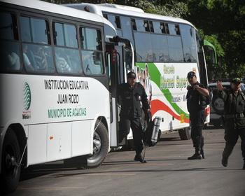 Автобус  в Колумбии. Фото:  GUILLERMO LEGARIA/AFP/Getty Images