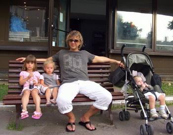Роман Жуков потерял пятилетнюю дочь. Фото с сайта romazhukov.com