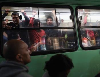 Автобус в  Мексике. Фото:  John Moore/Getty Images