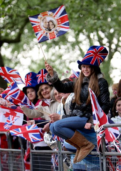 Королевскую свадьбу принца Уильяма и Кейт Мидлтон  собрались посмотреть тысячи доброжелателей со всего мира. Фото:  John Stillwell - WPA Pool/Getty Images