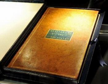 Экземпляр  Конституции США, принадлежавший Джорджу Вашингтону. Фото:  AFP/GettyImages