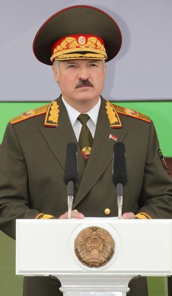 Лукашенко пообещал освободить всех политзаключенных. Фото: NIKOLAI PETROV/AFP/Getty Images