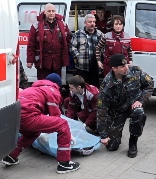 Теракт в минском метро:  списки пострадавших и погибших. Фоторепортаж. Фото: SERGEY BALAY, VIKTOR DRACHEV, ONT/AFP/Getty Images