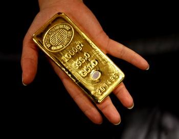 Цены на золото во время выступления главы ФРС США установили новый рекорд . Фото: MUSTAFA OZER/AFP/Getty Images