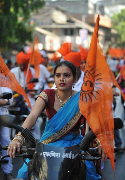 Население Индии увеличивается, но  рождаемость девочек уменьшается. Фото: SAJJAD HUSSAIN/AFP/Getty Images