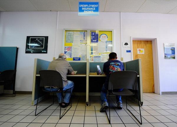 Фоторепортаж о нехватке рабочих мест в Калифорнии. Фото: Kevork Djansezian/Getty Images