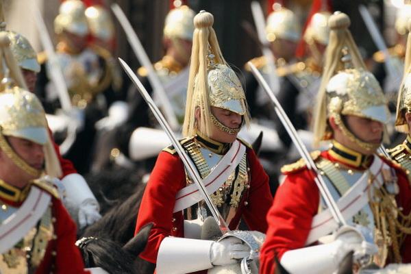 Фоторепортаж о репетиции парада королевской конной гвардии в Лондоне. Фото: Oli Scarff/Getty Images