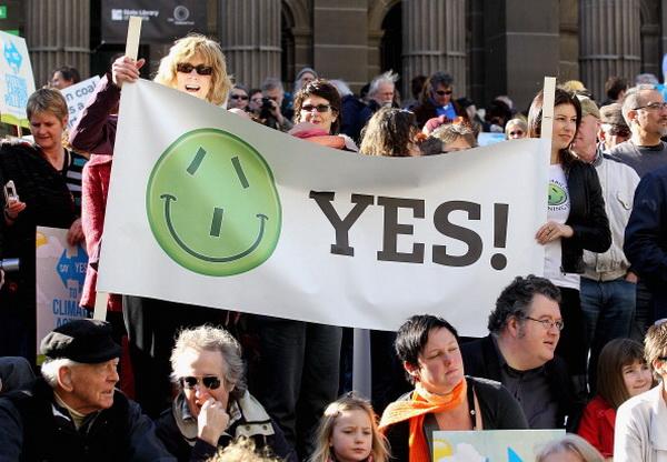 Фоторепортаж из Мельбурна о митинге в поддержку установления налога на выбросы углерода. Фото: Hamish Blair/Getty Images