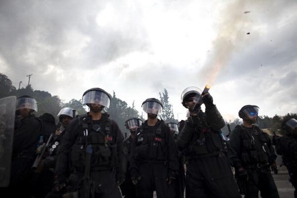 Фоторепортаж с места столкновения между арабами и полицией в Иерусалиме. Фото: Uriel Sinai/Getty Images