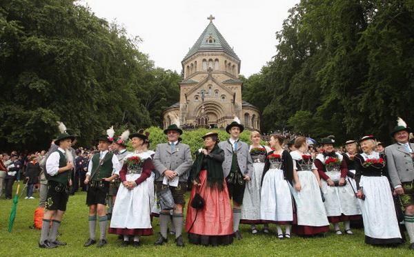 Фоторепортаж с  празднования годовщины «сумасшедшего» короля Баварии Людвига II в Германии. Фото: Alexandra Beier/Getty Images